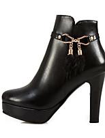Недорогие -Жен. Обувь Полиуретан Наступила зима Удобная обувь / Модная обувь Ботинки На шпильке Ботинки Белый / Черный