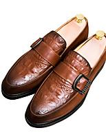 Недорогие -Муж. Полиуретан Осень Удобная обувь Мокасины и Свитер Черный / Коричневый / Красный