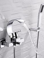 Недорогие -Смеситель для ванны - Современный Хром Монтаж на стену Керамический клапан