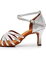 Недорогие -Жен. Обувь для латины Лакированная кожа Сандалии / На каблуках Пряжки Тонкий высокий каблук Персонализируемая Танцевальная обувь Серебряный