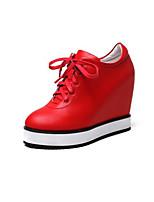 Недорогие -Жен. Обувь Наппа Leather Весна / Осень Удобная обувь Кеды Туфли на танкетке Круглый носок Белый / Черный / Красный