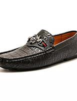 abordables -Hombre PU Primavera Confort Zapatos de taco bajo y Slip-On Blanco / Negro / Caqui
