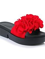 Недорогие -Жен. Обувь Полиуретан Весна лето Удобная обувь Тапочки и Шлепанцы На плоской подошве Черный / Красный / Зеленый