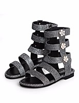 Недорогие -Девочки Обувь Искусственная кожа Лето Удобная обувь Сандалии для Золотой / Черный / Серебряный