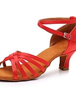 Недорогие -Жен. Обувь для латины Сатин Сандалии / На каблуках Пряжки Кубинский каблук Персонализируемая Танцевальная обувь Красный