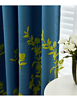 billiga -Mörkläggning Gardiner draperier Dining Room Blommig 100% Polyester Broderi