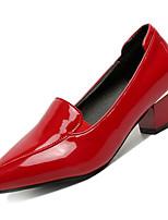 Недорогие -Жен. Полиуретан Осень Минимализм Обувь на каблуках На толстом каблуке Заостренный носок Черный / Красный / Для вечеринки / ужина