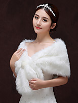 cheap -Sleeveless Faux Fur Wedding / Birthday Women's Wrap With Crystal Brooch Capelets