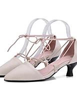 Недорогие -Жен. Комфортная обувь Замша Лето Обувь на каблуках На низком каблуке Черный / Бежевый / Красный