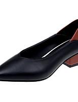 Недорогие -Жен. Полиуретан Лето Туфли лодочки Обувь на каблуках На низком каблуке Заостренный носок Черный / Бежевый