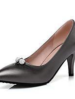 abordables -Femme Chaussures Polyuréthane Hiver Escarpin Basique Chaussures à Talons Talon Aiguille Blanc / Noir / Rose