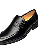 Недорогие -Муж. Комфортная обувь Синтетика Весна & осень На каждый день Мокасины и Свитер Черный / Коричневый