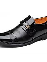Недорогие -Муж. Полиуретан Осень Формальная обувь Мокасины и Свитер Черный / Коричневый