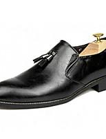 Недорогие -Муж. Официальная обувь Кожа Осень Деловые Мокасины и Свитер Дышащий Черный / Коричневый