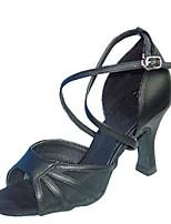 """Недорогие -Жен. Обувь для латины Сатин Сандалии / На каблуках Каблук """"Клеш"""" Персонализируемая Танцевальная обувь Черный / Телесный"""