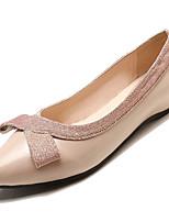 Недорогие -Жен. Комфортная обувь Полиуретан Осень Минимализм На плокой подошве На плоской подошве Бант Черный / Бежевый
