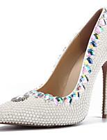 baratos -Mulheres Sapatos Couro Envernizado Primavera Verão Plataforma Básica Sapatos De Casamento Salto Agulha Dedo Apontado Pérolas / Gliter com Brilho Branco