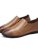 Недорогие -Муж. Комфортная обувь Кожа Весна / Осень На каждый день Мокасины и Свитер Градиент Черный / Коричневый / Хаки