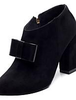 Недорогие -Жен. Fashion Boots Полиуретан Осень Минимализм Ботинки На толстом каблуке Заостренный носок Ботинки Бант Черный / Бежевый