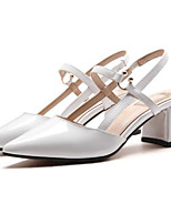 Недорогие -Жен. Наппа Leather Лето Удобная обувь Обувь на каблуках На толстом каблуке Белый / Черный / Бежевый
