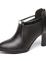 Недорогие -Жен. Ботильоны Полиуретан Осень Ботинки На толстом каблуке Заостренный носок Черный