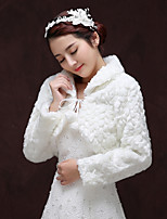 cheap -Long Sleeve Faux Fur Wedding / Birthday Women's Wrap With Pendant Shrugs