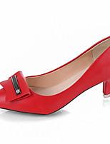 Недорогие -Жен. Полиуретан Лето Туфли лодочки Обувь на каблуках На каблуке-рюмочке Заостренный носок Черный / Красный