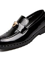 abordables -Hombre PU Otoño Confort Zapatos de taco bajo y Slip-On Negro
