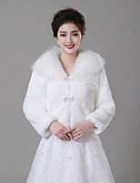 cheap -Long Sleeve Faux Fur Wedding / Party / Evening Women's Wrap With Button Shrugs