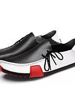 Недорогие -Муж. Кожа Весна Удобная обувь Мокасины и Свитер Черный / Серый / Коричневый