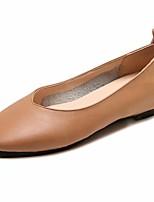 Недорогие -Жен. Комфортная обувь Полиуретан Лето На плокой подошве На плоской подошве Квадратный носок Черный / Бежевый / Миндальный
