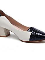 baratos -Mulheres Sapatos Confortáveis Pele Napa Primavera Saltos Salto Robusto Branco / Preto / Vermelho