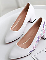 Недорогие -Жен. Комфортная обувь Наппа Leather Весна Обувь на каблуках На толстом каблуке Белый