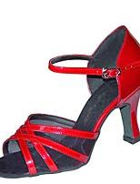 """Недорогие -Жен. Обувь для латины Сатин Сандалии / На каблуках Каблук """"Клеш"""" Персонализируемая Танцевальная обувь Красный / Телесный"""