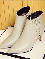 Недорогие -Жен. Обувь Наппа Leather Наступила зима Удобная обувь Ботинки На шпильке Закрытый мыс Ботинки Черный / Серый / Красный