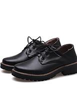 Недорогие -Жен. Комфортная обувь Полиуретан Осень Обувь на каблуках Туфли на танкетке Закрытый мыс Белый / Черный / Коричневый
