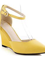 baratos -Mulheres Sapatos Confortáveis Pele Napa Verão Saltos Salto Plataforma Dedo Fechado Preto / Amarelo / Prateado