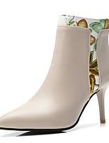 Недорогие -Жен. Комфортная обувь Полиуретан Наступила зима Ботинки На шпильке Черный / Бежевый