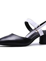 baratos -Mulheres Sapatos Confortáveis Pele Napa Primavera Sapatos De Casamento Salto Robusto Branco / Preto