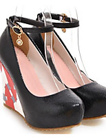 Недорогие -Жен. Комфортная обувь Микроволокно Весна Свадебная обувь Туфли на танкетке Черный / Серебряный / Красный / Свадьба