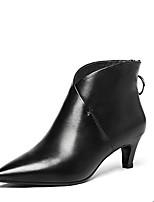 Недорогие -Жен. Комфортная обувь Наппа Leather Зима Ботинки На шпильке Белый / Черный