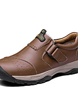 Недорогие -Муж. Комфортная обувь Кожа Зима Классика / Английский Мокасины и Свитер Сохраняет тепло Черный / Коричневый