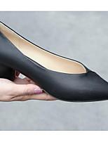 Недорогие -Жен. Балетки Овчина Весна Обувь на каблуках На толстом каблуке Черный / Коричневый