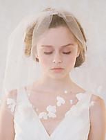 abordables -Une couche Style vintage / Style classique Voiles de Mariée Voiles longueur épaule avec Pétale / Couleur Unie Tulle