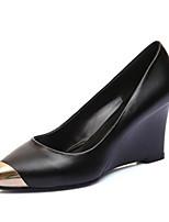 Недорогие -Жен. Комфортная обувь Наппа Leather Весна Обувь на каблуках Туфли на танкетке Черный / Миндальный