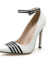 abordables -Femme Escarpins Polyuréthane Printemps & Automne Classique / Décontracté Chaussures à Talons Talon Aiguille Bout pointu Blanc / Noir