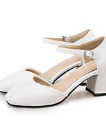 Недорогие -Жен. Комфортная обувь Полиуретан Лето Обувь на каблуках На толстом каблуке Белый / Черный / Розовый / Свадьба