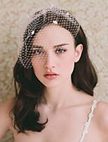 abordables -Une couche Style vintage / A Fleurs Voiles de Mariée Voiles Blush avec Pétale / Couleur Unie Tulle