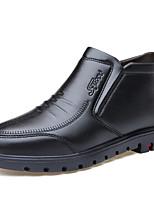 baratos -Homens Sapatos formais Couro Sintético Outono & inverno Negócio / Casual Mocassins e Slip-Ons Use prova Preto / Marron