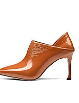 Недорогие -Жен. Fashion Boots Замша / Лакированная кожа Весна Ботинки На шпильке Закрытый мыс Ботинки Черный / Коричневый